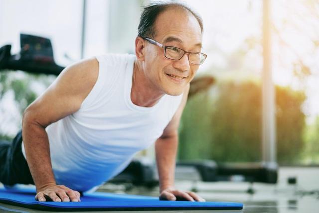 6 bài tập dễ dàng cho người cao tuổi - Ảnh 2.