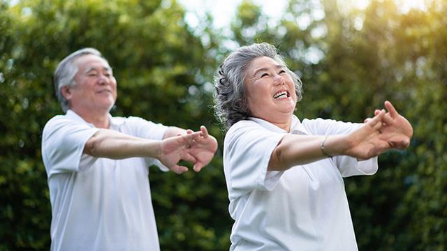 6 bài tập dễ dàng cho người cao tuổi - Ảnh 3.