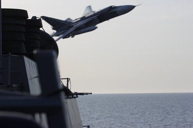 Mỹ xác định tình huống sẽ nổ súng vào tàu Nga - Cuộc nói chuyện với ông Putin kích động TT Đức, mở màn loạt đòn giáng nặng nề vào Moscow - Ảnh 1.