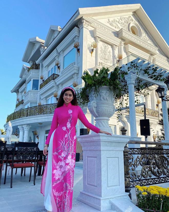 'Đệ nhất rich kid' Tiên Nguyễn khoe body khét lẹt nhưng background nhà giàu mới chiếm trọn spotlight