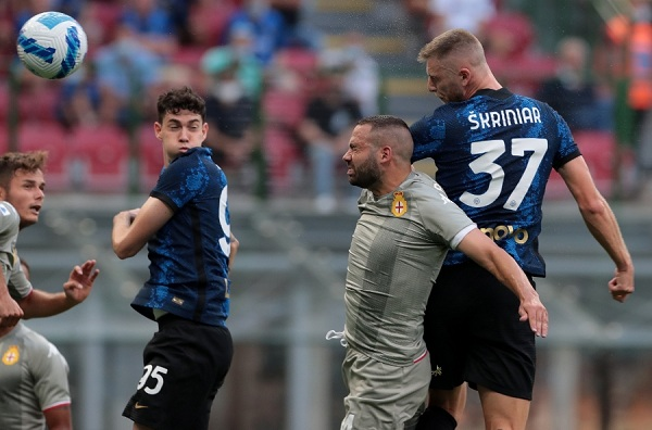 Cặp tân binh tỏa sáng, Inter Milan ra quân tưng bừng - Ảnh 1.