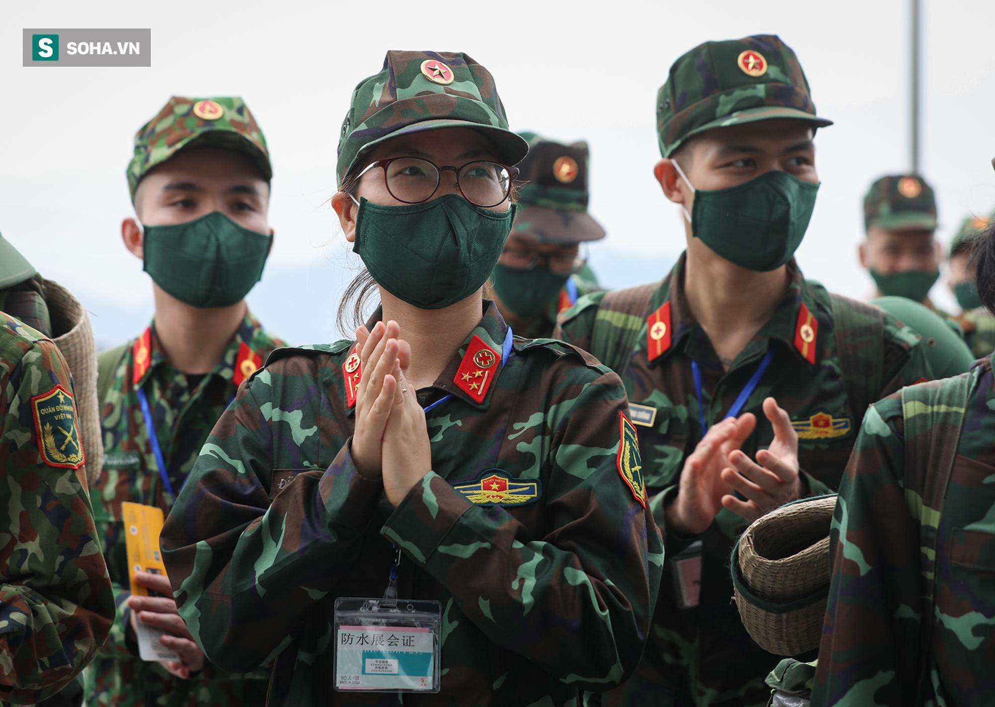 Phó Thủ tướng, Bộ trưởng Quốc phòng cùng hơn 1000 y, bác sĩ lên đường vào TP HCM chống dịch - Ảnh 2.