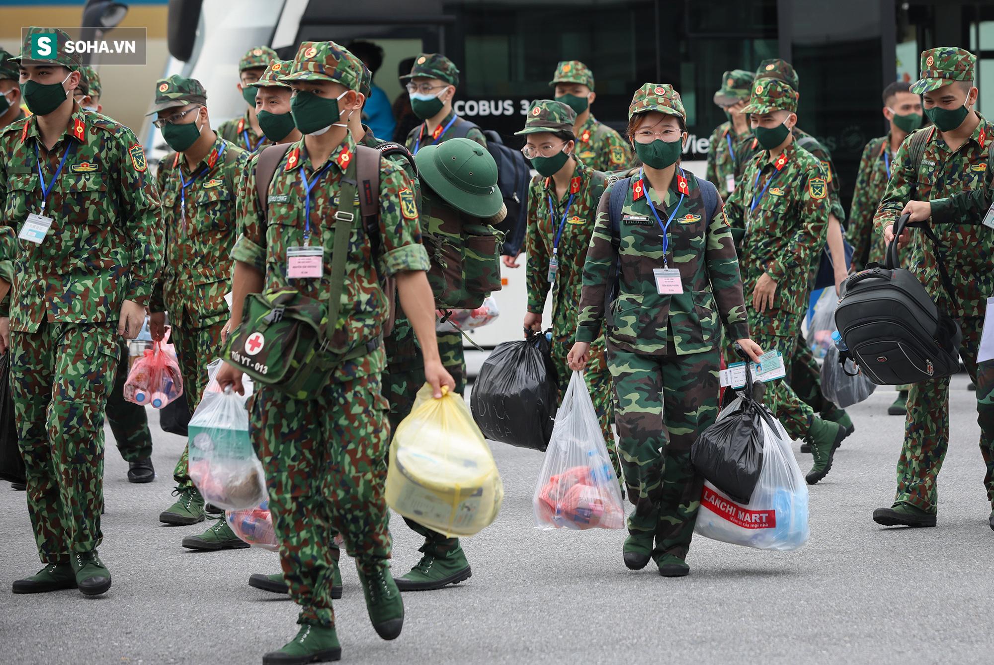 Phó Thủ tướng, Bộ trưởng Quốc phòng cùng hơn 1000 y, bác sĩ lên đường vào TP HCM chống dịch - Ảnh 6.