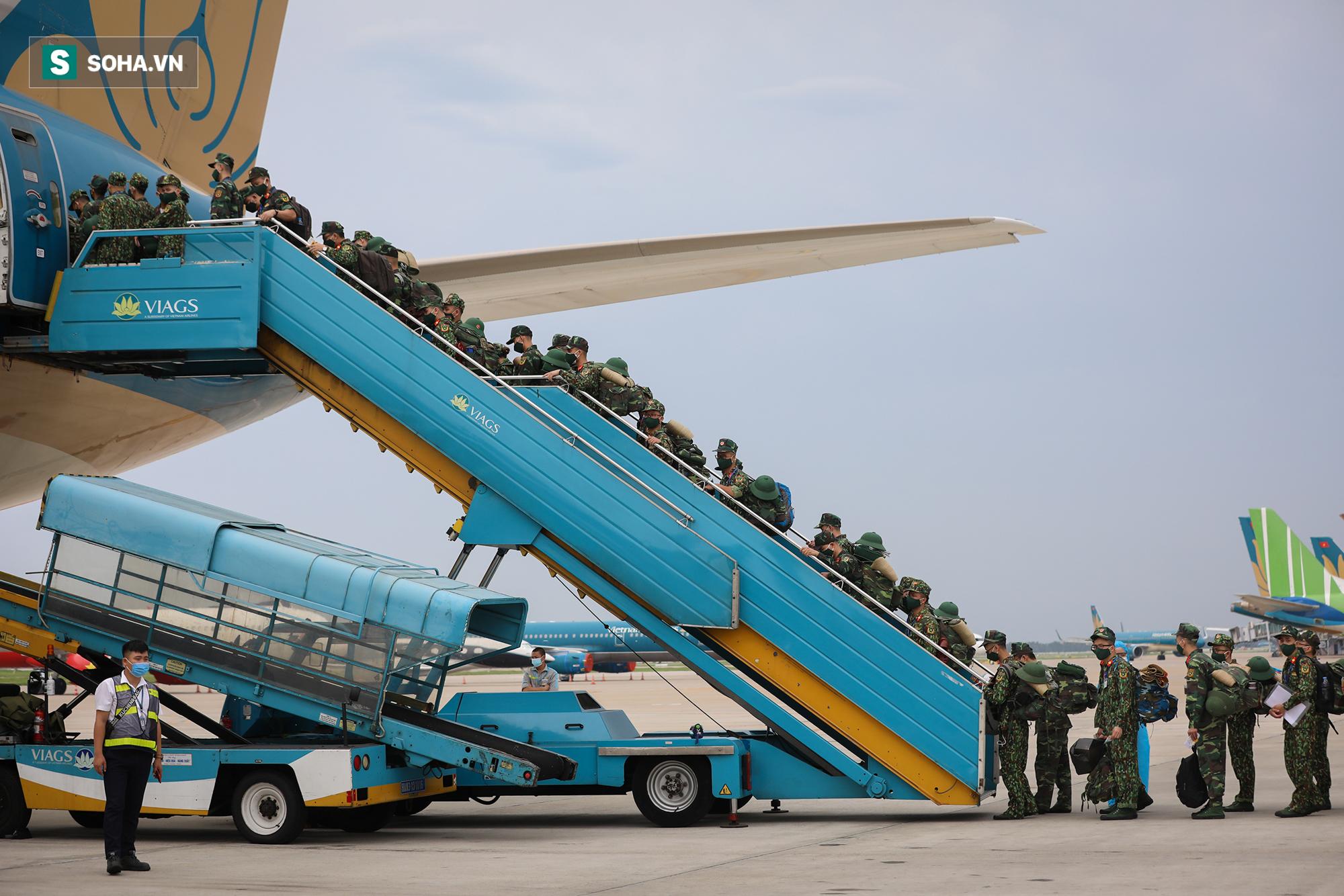 Phó Thủ tướng, Bộ trưởng Quốc phòng cùng hơn 1000 y, bác sĩ lên đường vào TP HCM chống dịch - Ảnh 7.