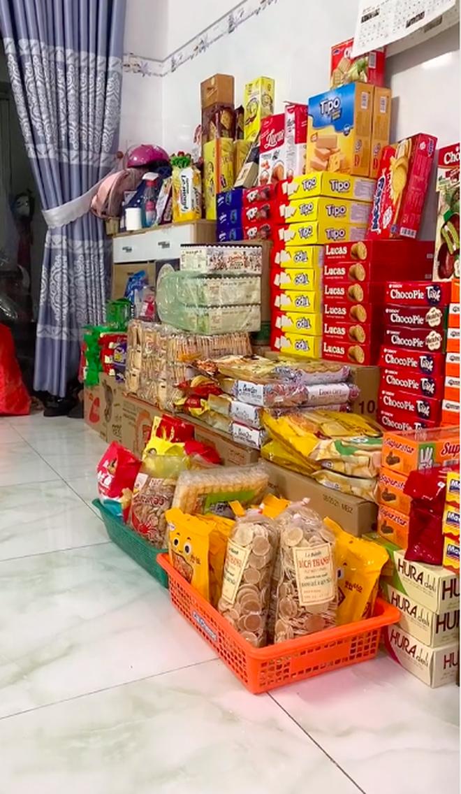 Màn dự trữ đồ ăn khủng nhất trong mùa dịch, trông cứ như vác cả tiệm tạp hoá về nhà khiến ai cũng ghen tị - Ảnh 2.