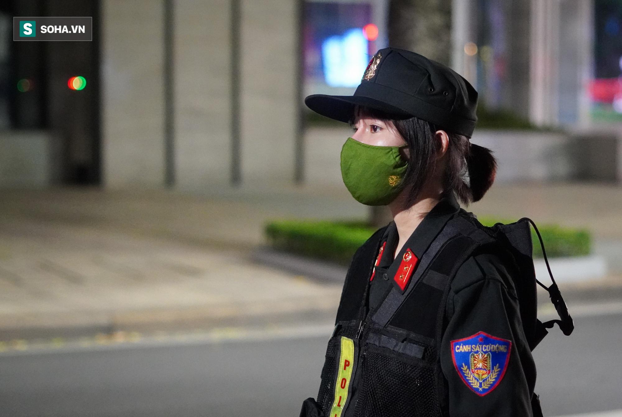 Nữ cảnh sát đặc nhiệm đầu tiên của tổ 141: Quen với những đêm trắng vì sự bình yên của người dân - Ảnh 10.
