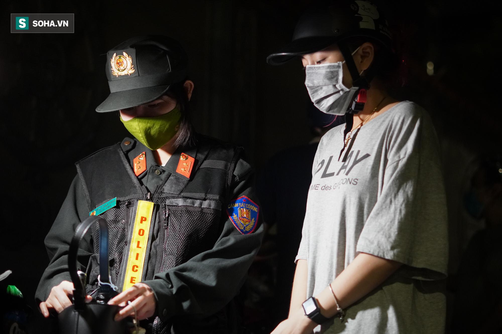 Nữ cảnh sát đặc nhiệm đầu tiên của tổ 141: Quen với những đêm trắng vì sự bình yên của người dân - Ảnh 7.