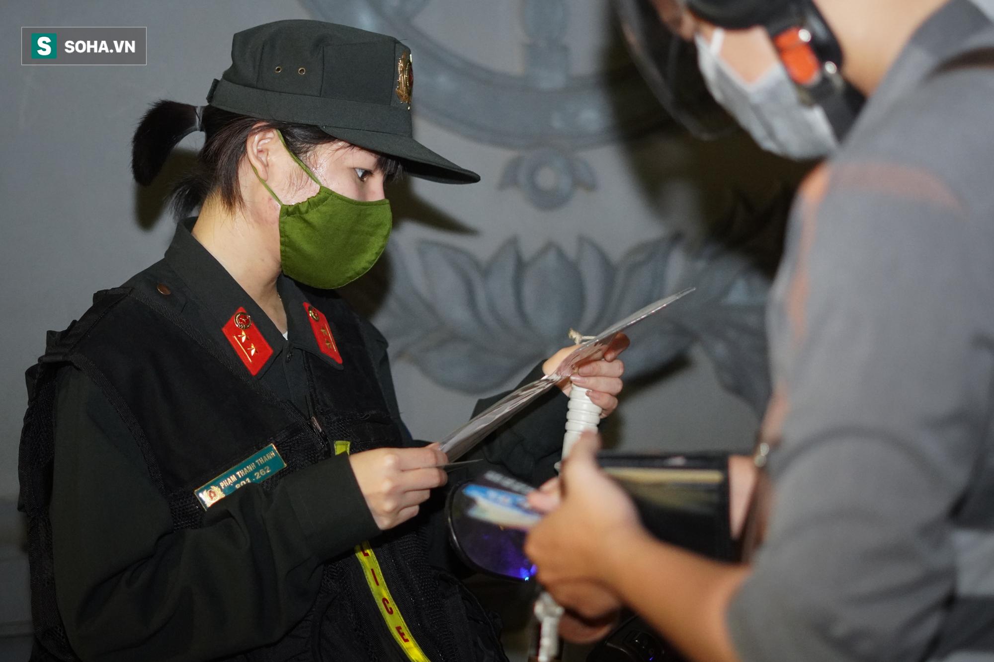 Nữ cảnh sát đặc nhiệm đầu tiên của tổ 141: Quen với những đêm trắng vì sự bình yên của người dân - Ảnh 9.