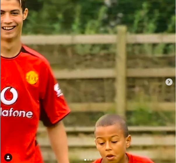 Sao MU ôn lại kỷ niệm với Ronaldo từ thuở nhỏ, sung sướng vì hoàn thiện giấc mơ thi đấu cùng thần tượng - Ảnh 2.
