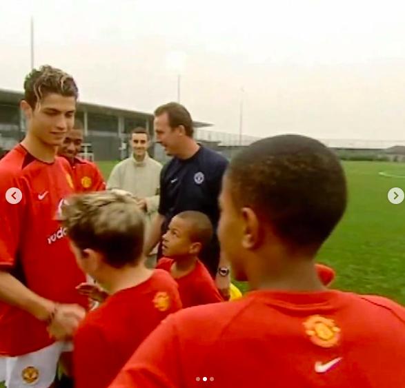Sao MU ôn lại kỷ niệm với Ronaldo từ thuở nhỏ, sung sướng vì hoàn thiện giấc mơ thi đấu cùng thần tượng - Ảnh 3.