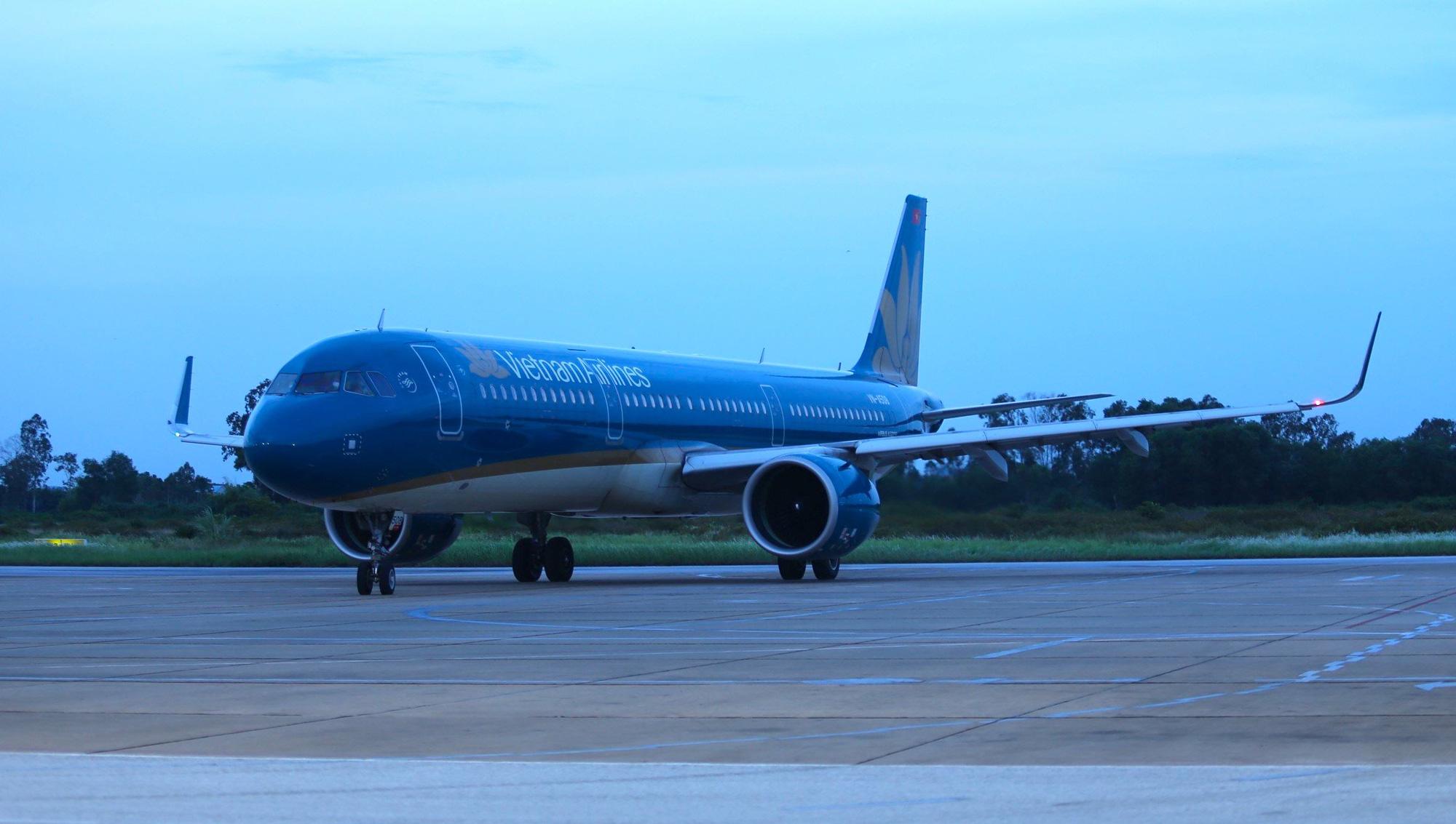 Chuyến bay miễn phí đầu tiên chở hơn 200 công dân từ miền Nam về Nghệ An - Ảnh 1.