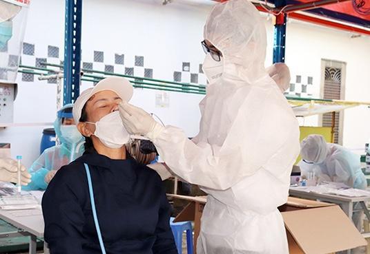 Sáng nay, ghi nhận thêm 3.578 ca nhiễm COVID-19. Khánh Hòa, Bình Dương xin tiêm thử nghiệm vắc xin Nano Covax - Ảnh 1.