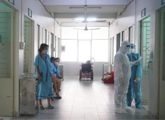 Bên trong bệnh viện điều trị cho nhiều bà bầu nhất tại TPHCM  - Ảnh 2.