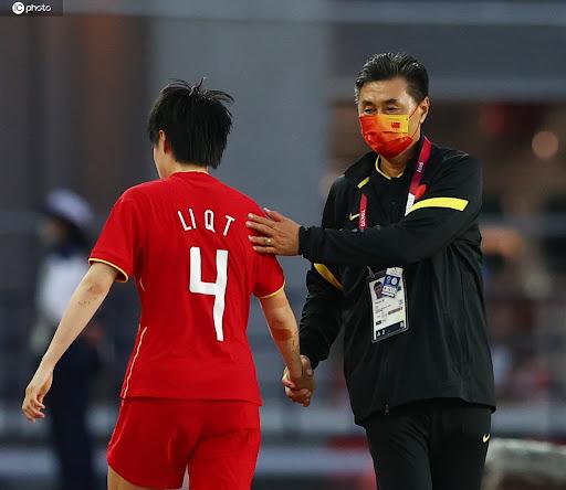 Bất ngờ: Không phải bị sa thải, HLV TQ cố ý rời ghế vì toan tính với CLB Super League - Ảnh 2.