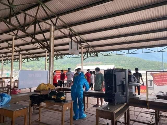 Thừa Thiên Huế: Thông tin 23 người về từ vùng dịch bị buộc quay đầu là không chính xác - Ảnh 1.