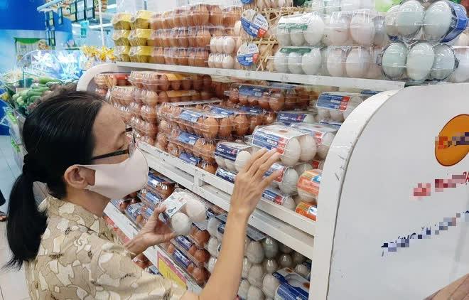 """""""Nữ hoàng hột vịt"""" từ chối nâng giá trứng: Dân nghèo mới xài nhiều trứng nên tôi để giá bình ổn tới hôm nay - Ảnh 1."""