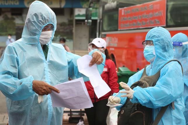Sáng nay, Hà Nội phát hiện 19 ca nhiễm Covid-19; người dân tiêm mũi 1 vắc xin nào thì tốt nhất tiêm mũi 2 cùng loại đó - Ảnh 1.