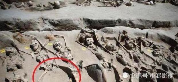 Các phi tần tuẫn táng cùng hoàng đế khi được phát hiện chân luôn ở tư thế mở rộng, trước khi chết đã xảy ra chuyện gì? - Ảnh 1.