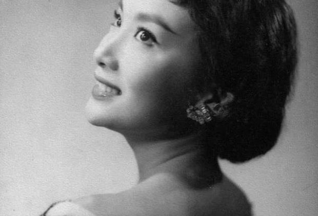 Nguyên mẫu Tiểu Long Nữ ngoài đời thật - nàng thơ của Kim Dung với nhan sắc rung động lòng người và mối tình đơn phương mãi tiếc nuối - Ảnh 8.