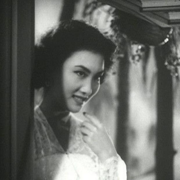 Nguyên mẫu Tiểu Long Nữ ngoài đời thật - nàng thơ của Kim Dung với nhan sắc rung động lòng người và mối tình đơn phương mãi tiếc nuối - Ảnh 10.