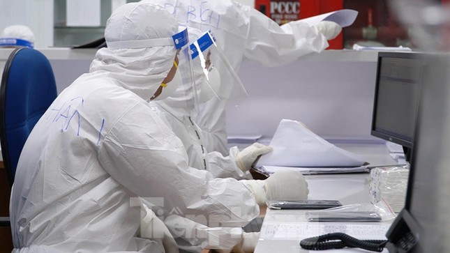 Cận cảnh khoa đặc biệt cho bệnh nhân vừa vượt qua cửa tử tại Bệnh viện Hồi sức COVID-19 - Ảnh 3.
