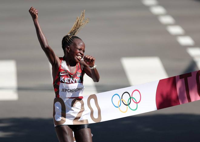 TRỰC TIẾP Olympic 2020 ngày 7/8: Quyết liệt cuộc đua Trung-Mỹ; hàng loạt trận chung kết trong mơ - Ảnh 1.
