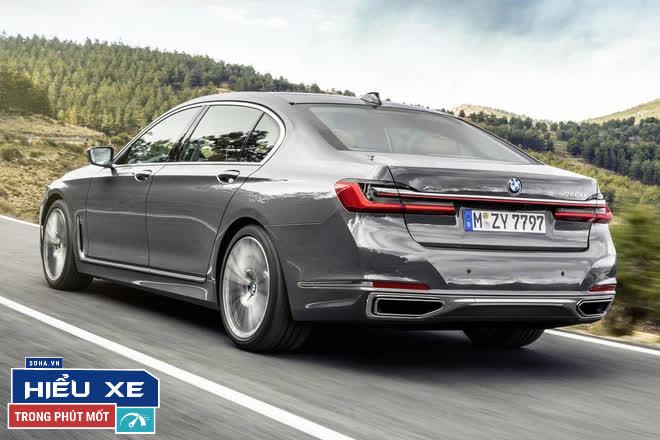 BMW 7-series giảm tới gần 600 triệu, nhưng điều gây áp lực lên Mercedes, Audi lại là thứ cổ lỗ sĩ! - Ảnh 8.