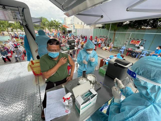 Sau ngày 15/9, TP.HCM chưa áp dụng thẻ xanh, thẻ vàng; Việt Nam thêm 11.478 ca mắc Covid-19 - Ảnh 1.