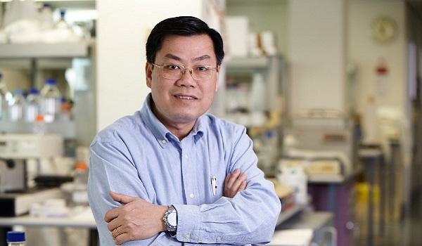 GS Nguyễn Văn Tuấn đề xuất cách xét nghiệm không cần dùng que ngoáy mũi  - Ảnh 1.