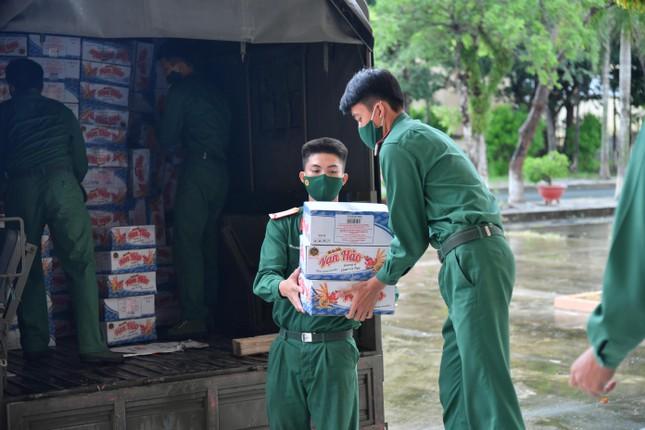 Yêu cầu 8 tỉnh sẵn sàng hỗ trợ Tiền Giang và Kiên Giang chống dịch - Ảnh 2.