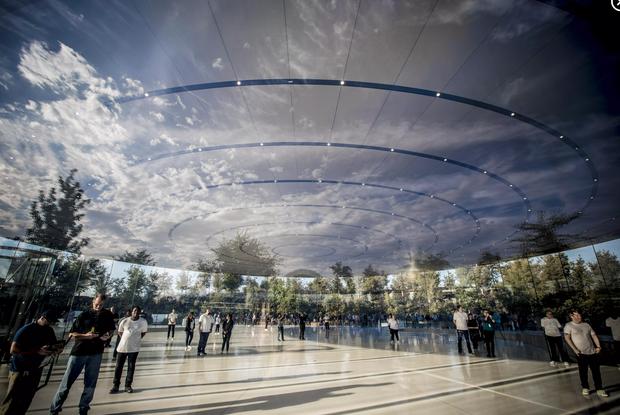 Cận cảnh Apple Park: Văn phòng đẹp nhất thế giới trị giá 5 tỷ USD, nơi tổ chức buổi ra mắt iPhone 13 đêm nay! - Ảnh 15.