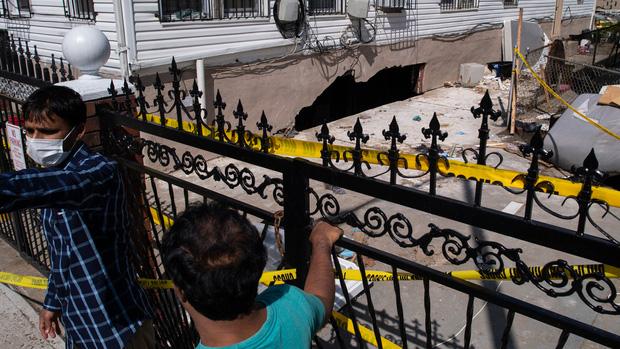Nhìn lại siêu bão Ida cách đây 2 tuần: Cơn bão lịch sử khiến nước Mỹ lộ ra những cái bẫy chết người - Ảnh 9.