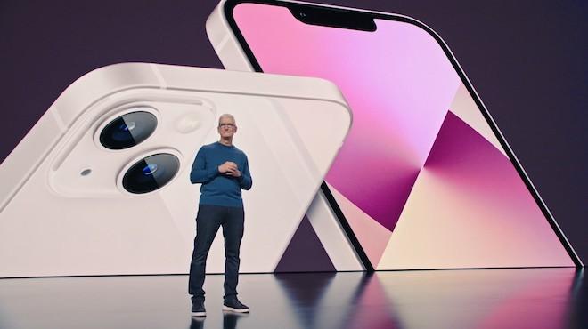 Tuyển kỷ lục 10.000 nhân công một ngày, nhà máy Foxconn chạy hết tốc lực để sản xuất iPhone 13 - Ảnh 1.