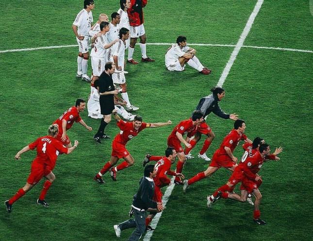 Đại chiến Liverpool - Milan và ký ức khó quên về đêm điên rồ Istanbul - Ảnh 2.