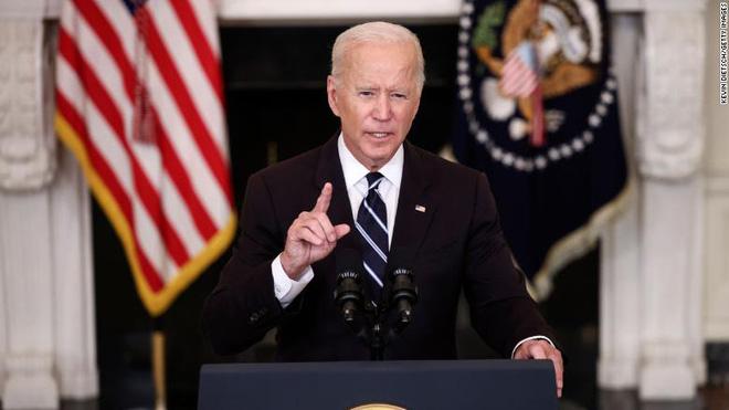 Tổng thống Biden đặt mục tiêu tiêm vaccine ngừa COVID-19 cho khoảng 70% dân số thế giới - Ảnh 1.