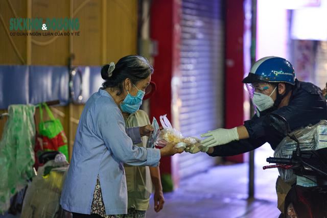 Sống khác mùa COVID-19: Nhiếp ảnh gia Hải An bước qua sợ hãi kể chuyện bằng ảnh - Ảnh 10.