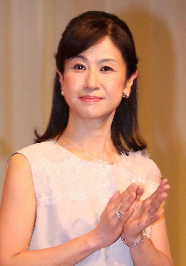 Ngỡ ngàng với nhan sắc cô bé Oshin kinh điển sau gần 40 năm, vẫn đóng phim ầm ầm nhưng đường tình duyên mới gây chú ý - Ảnh 7.