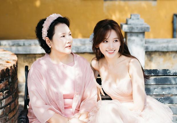 Được hỏi giàu mà không mua nổi nhà cho ba mẹ ở Hàn, Hari Won đáp thẳng thắn nhưng vẫn bị vặn lại vì 1 câu của Trường Giang? - Ảnh 7.