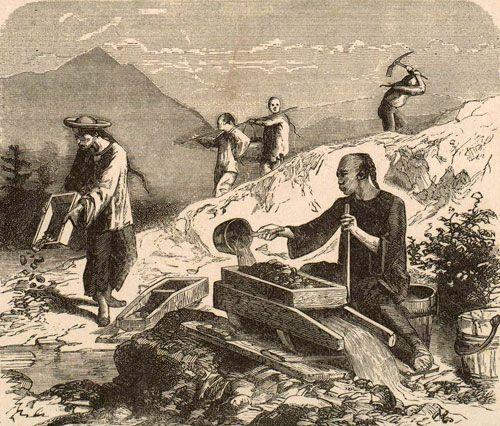 Ngày tận thế ở thị trấn người Hoa: Dân TQ bị đánh nhừ tử, thiêu sống, chạy tan tác vì nhà cửa thành cát bụi - Ảnh 2.