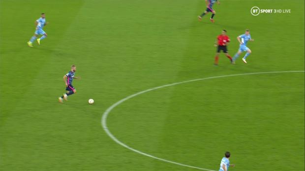 De Bruyne nổi giận vì bị trọng tài cản trở khiến Man City thủng lưới - Ảnh 1.