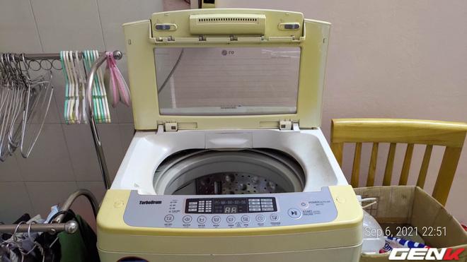 Tò mò tháo cái cục này trong máy giặt ra xem sau 13 năm mà tôi suýt phát ói, bạn cũng nên thử xem! - Ảnh 1.