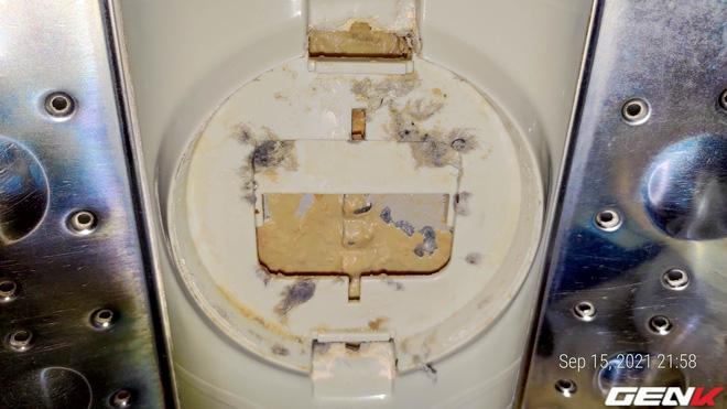 Tò mò tháo cái cục này trong máy giặt ra xem sau 13 năm mà tôi suýt phát ói, bạn cũng nên thử xem! - Ảnh 4.