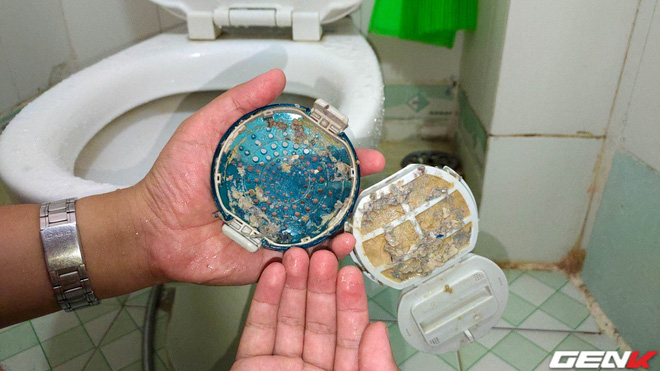 Tò mò tháo cái cục này trong máy giặt ra xem sau 13 năm mà tôi suýt phát ói, bạn cũng nên thử xem! - Ảnh 9.