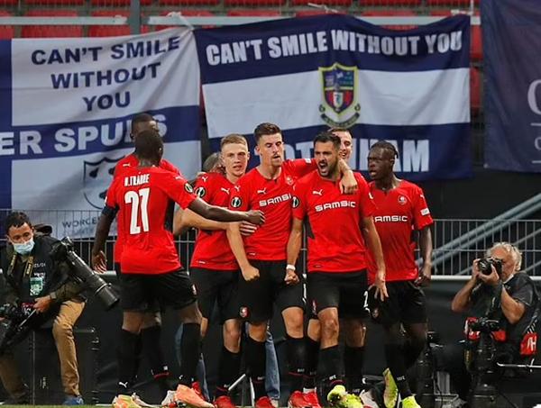 Rennes 2-2 Tottenham: Thần may mắn gõ cửa 2 lần - Ảnh 1.