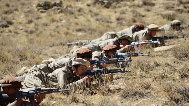 Vũ khí bí ẩn của Taliban từ trên trời dồn dập nã xuống Panjshir: Quân kháng chiến thua đau đớn! - Ảnh 2.