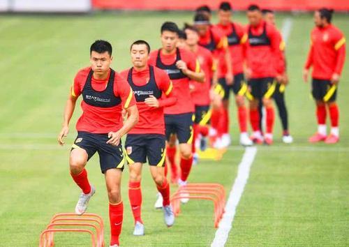 """ĐT Trung Quốc nhận trái đắng, chỉ được giao hữu với """"quân xanh rởm"""" trước trận gặp Việt Nam - Ảnh 1."""