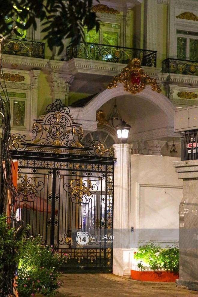Thêm loạt ảnh mới bên trong lâu đài 2.400m2 giữa trung tâm Sài Gòn của CEO Đại Nam: Xa hoa hết cỡ! - Ảnh 10.