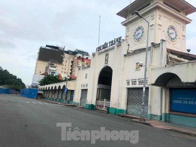 Có một Sài Gòn khác lạ trong ngày tết Độc lập - Ảnh 6.
