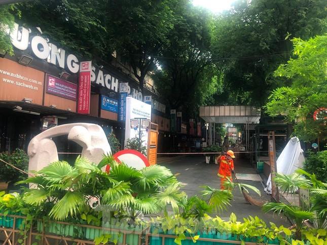 Có một Sài Gòn khác lạ trong ngày tết Độc lập - Ảnh 8.