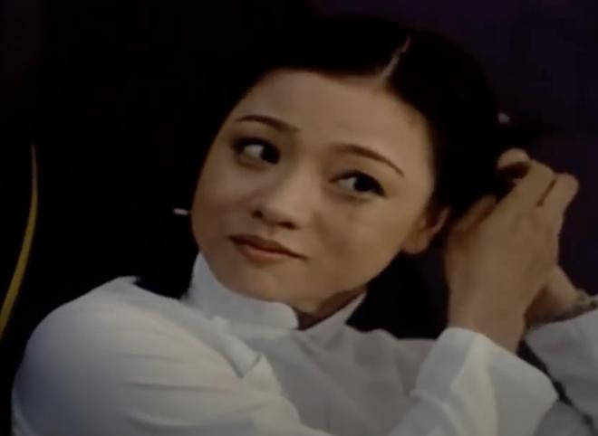 """10 quốc bảo nhan sắc màn ảnh Việt thập niên 90: Xuất hiện """"thần tiên tỷ tỷ"""" đẹp chả kém gì Lưu Diệc Phi - Ảnh 32."""